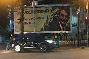 Outdoors pró-Bolsonaro se espalham pelo Recife